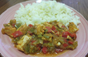 Curry de poulet revisité au poivron un magnifique plat équilibré et délicieux plein de saveurs . à tester absolument.