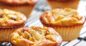 Muffins à la banane et au skyr ,recette rapide facile à réaliser .Une texture moelleuse au gout de la cannelle .